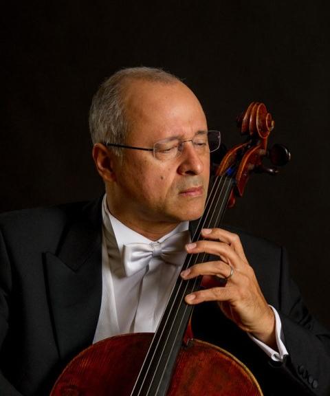 Antônio Meneses tocou com grandes orquestras e maestros - Divulgação/ND