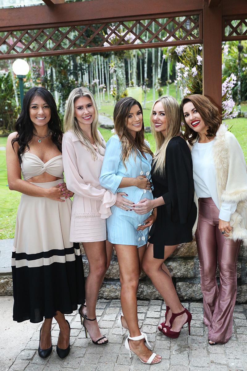 Amanda Sayuri, Fernanda Heiderscheidt, Debora Viegas, Aninha Machado, Juliana de Bem - Darline Rodrigues