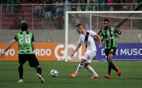 Confira a seguir a galeria especial do LANCE! com imagens da derrota do Vasco para o América-MG nesta quinta-feira - Carlos Gregório Jr/Vasco.com.br
