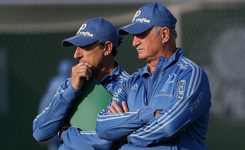 Carlos Pracidelli e Luiz Felipe Scolari durante treino do Palmeiras, na Academia (Foto: Cesar Greco)