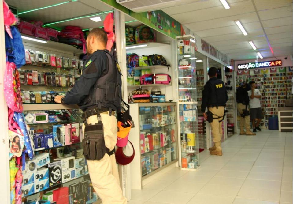 Ação conjunta de órgãos públicos resultou em R$ 1 milhão em mercadorias falsificadas em Florianópolis - PMF/Divulgação