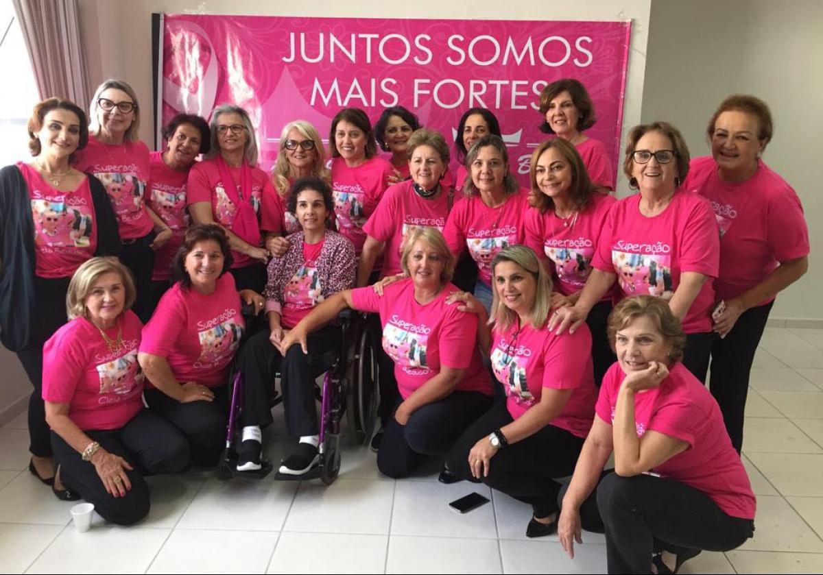 Associação Amigos da Cleia Beduschi reúne 45 mulheres na busca de recursos para pacientes com câncer - Mara Beduschi/Divulgação