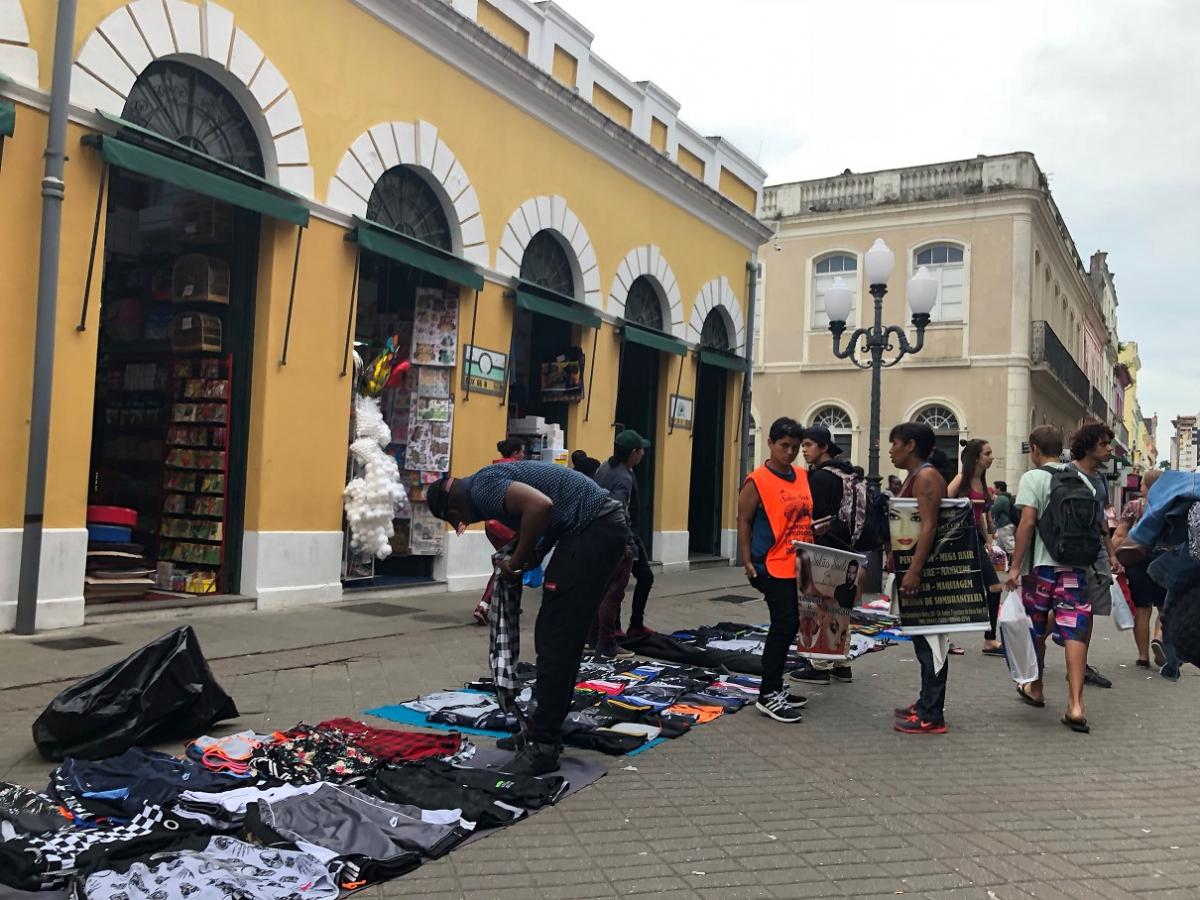 278d22bcbd Florianópolis atrai um maior número de ambulantes por ser uma cidade  destino - Flávio ...