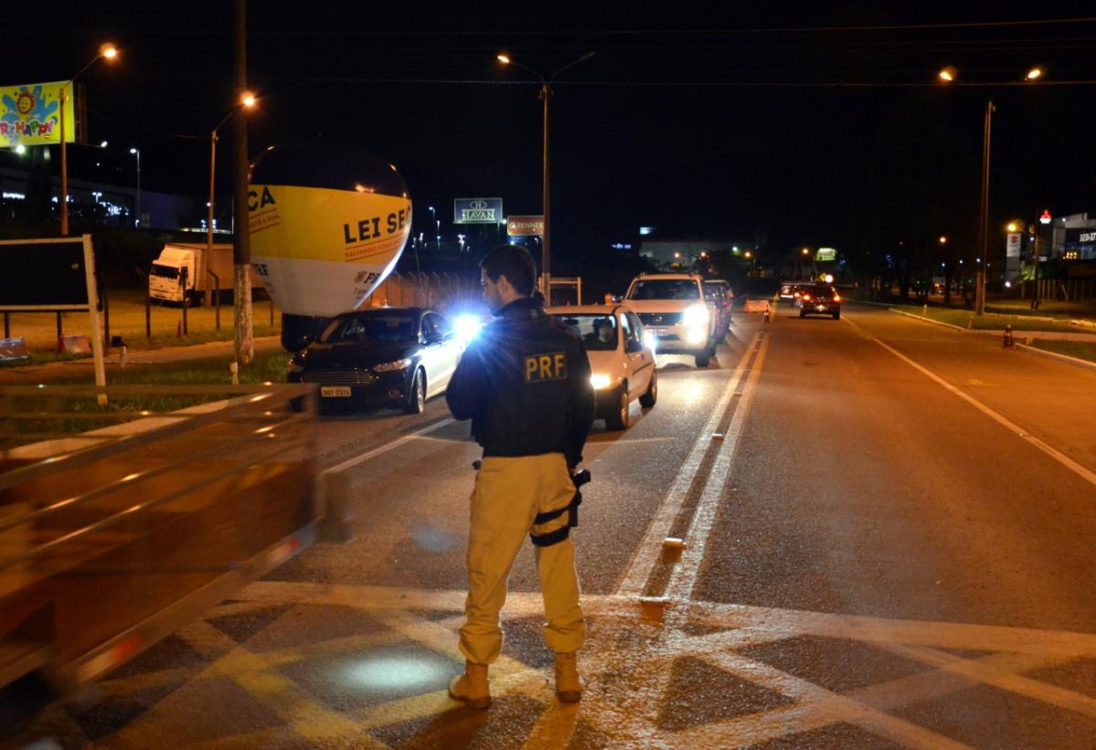 Por três finais de semana consecutivos, a PRF intensificou as fiscalizações nas rodovias federais em SC - PRF/Divulgação/ND