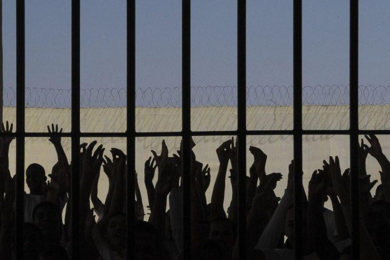 Detentos aguardam o retorno das visitas dos familiares – Foto: Wilson Dias/Agência Brasil/Divulgação/ND