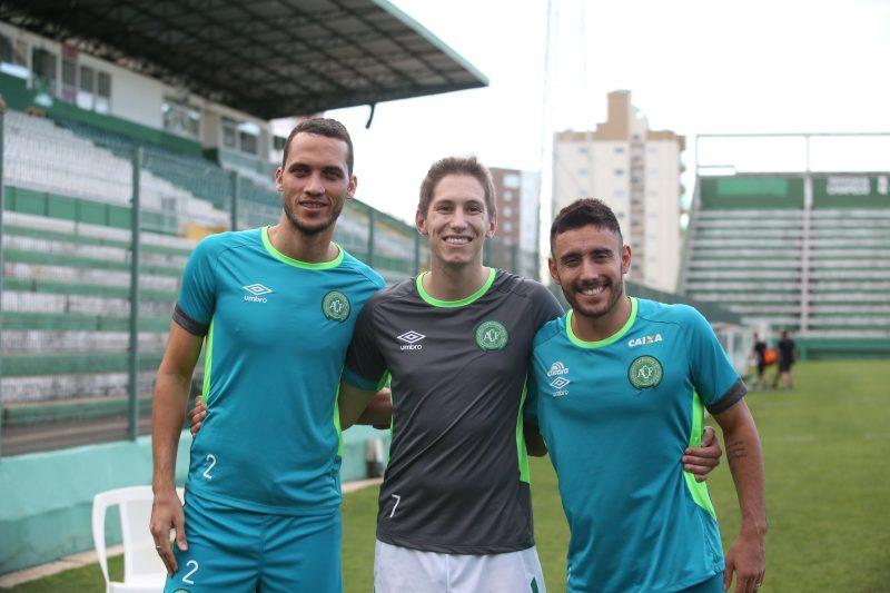 Neto, Jackson Follmann e Alan Ruschel em treino da Chapecoense – Foto: Divulgação/RIC Mais SC