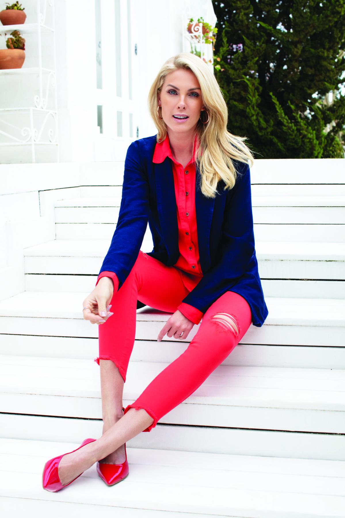 Ana Hickmann se tornou uma marca, com portfólio encorpado de produtos. Na  Capital na 1ed239409e
