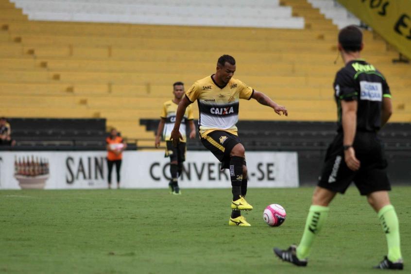 Recuperado de lesão, Zé Carlos volta ao time titular do Criciúma (Foto: Caio Marcelo/Criciúma EC) -