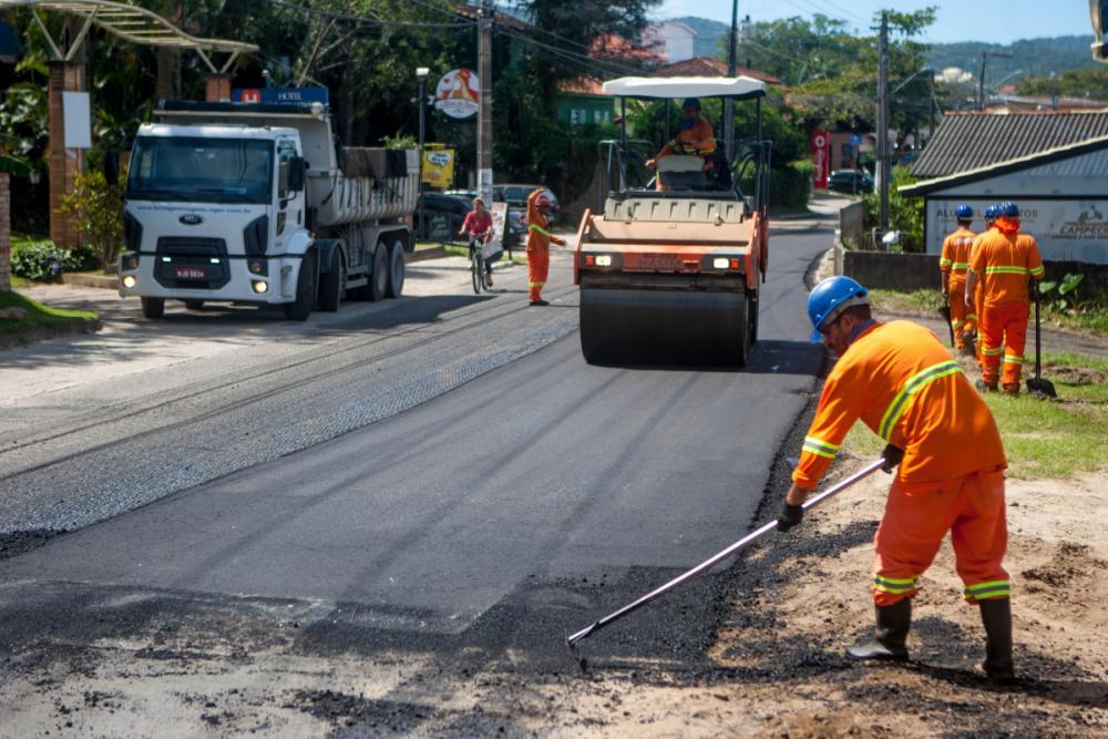 Obras de recapeamento da Avenida Campeche. - Foto Flavio Tin/ND