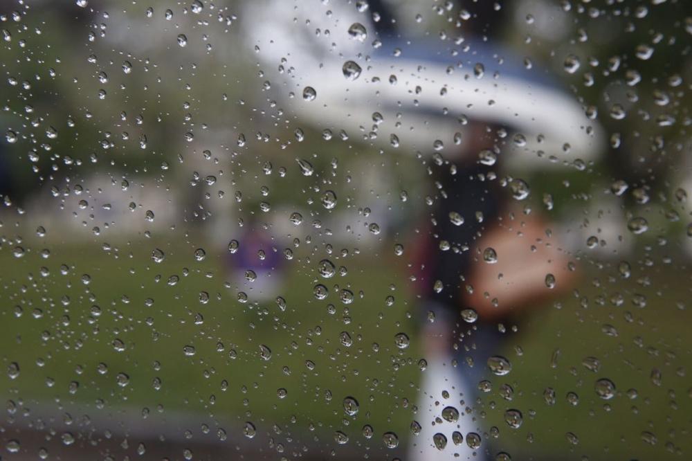 Quinta-feira é de chuva persistente em Florianópolis - Flavio Tin/ND