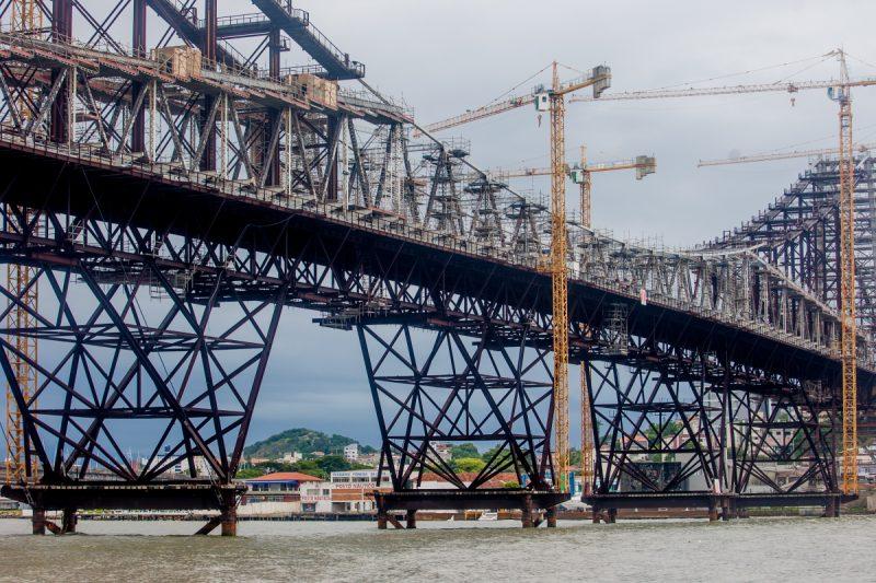Parte da carga da ponte Hercílio Luz está apoiada em cavaletes temporários desde 2017 – Flávio Tin/ND