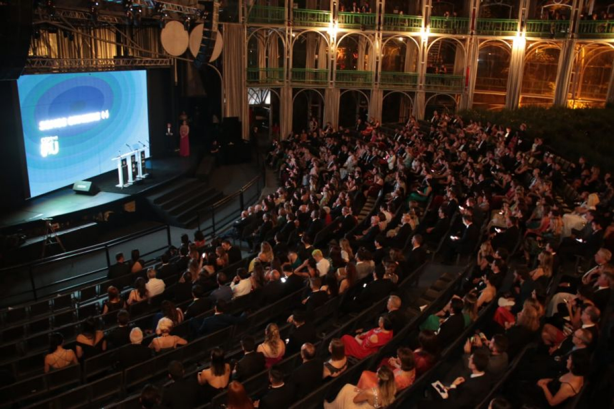 Primeira edição do Prêmio Personalidades TOPVIEW foi realizada em Curitiba, na noite desta terça-feira - Naideron Jr/Divulgação/ND