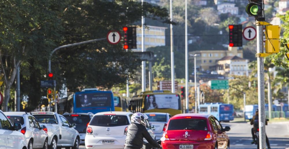 A empresa de Barueri (SP) agora tem prazo 60 dias para instalar os 35 controladores nos cruzamentos de maior fluxo, o que vai garantir mais vazão no sentido com maior tráfego - Daniel Queiroz/ ND