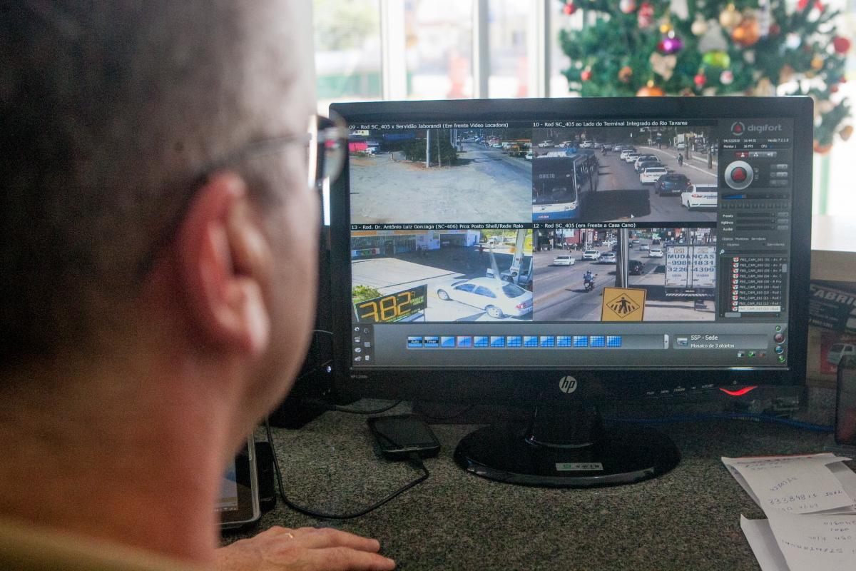 PMRv monitora trecho de faixas reversíveis - Foto: Flávio Tin/ND