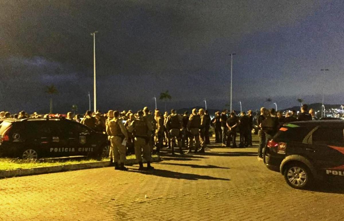 Cerca de 200 policiais participam da operação nesta sexta-feira - Polícia Civil/Divulgação/ND
