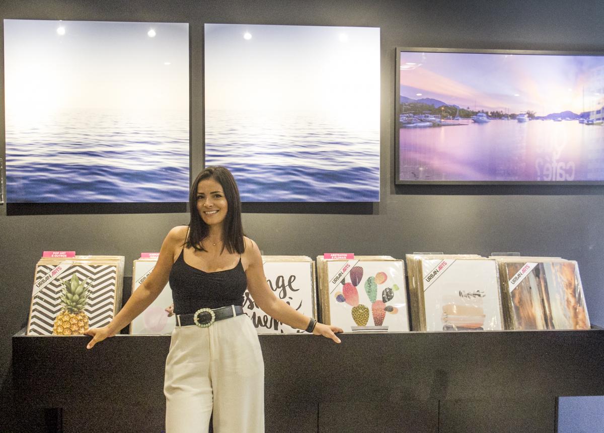 Empresária Jana Ferronato na galeria e loja conceito que reúne arte em todos os tamanhos, formatos e materiais - Marco Santiago/ND