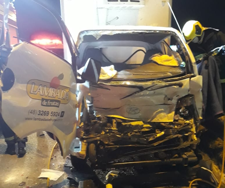 Motorista de caminhão baú não resistiu aos ferimentos - PRF/ Divulgação/ ND