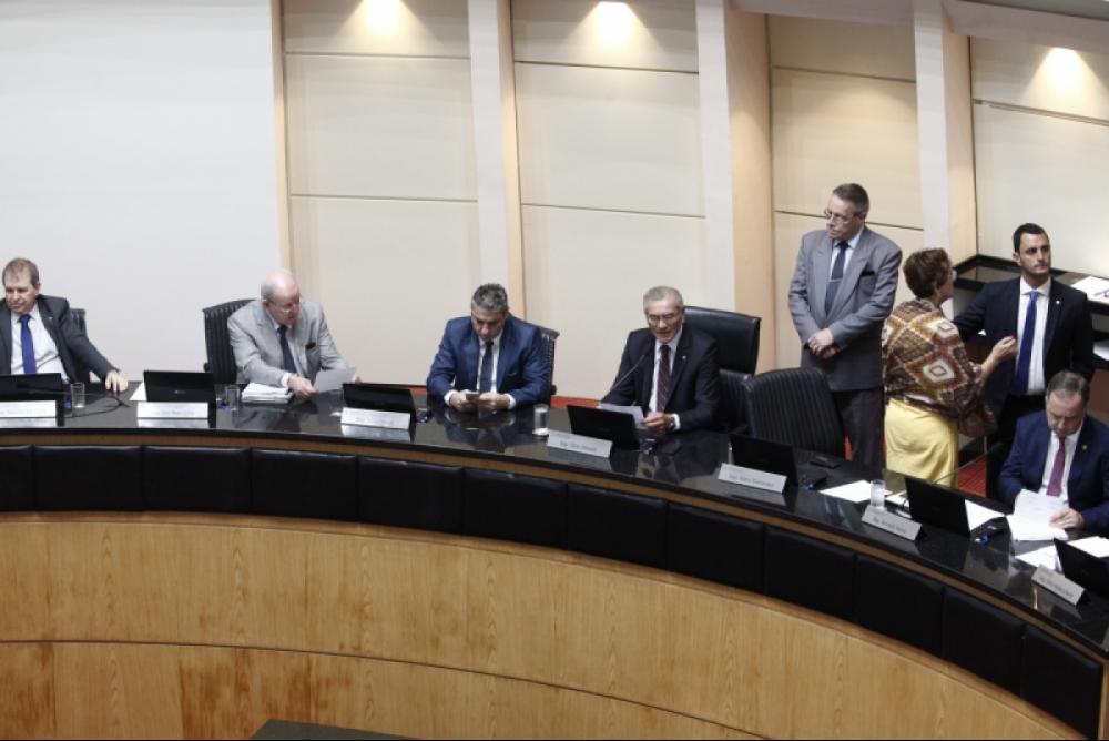 Sessão desta quarta-feira na Alesc aprovou orçamento para 2019 com cortes na educação em SC - Eduardo G. de Oliveira/Agência AL/ Divulgação/ ND