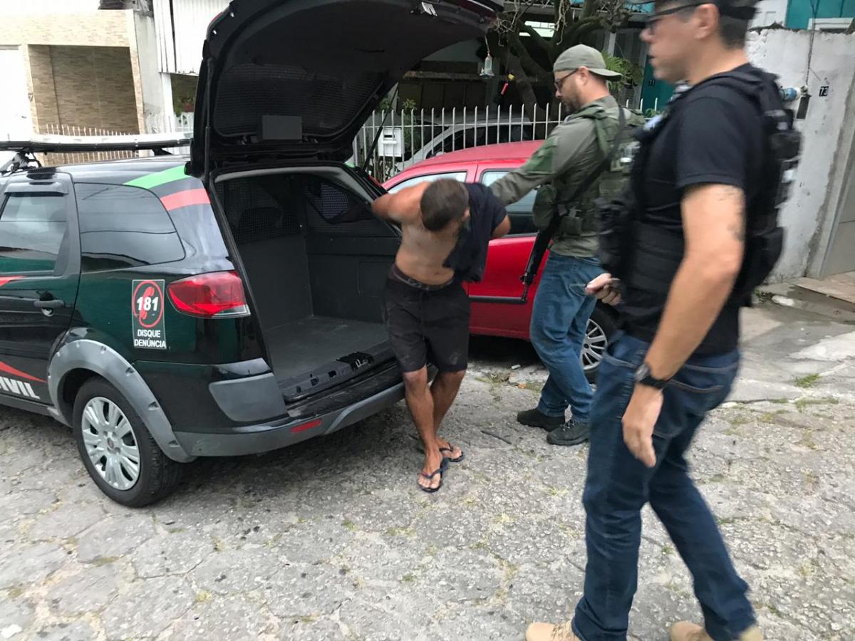 Pelo menos sete pessoas foram presas nas primeiras horas da manhã desta sexta - Polícia Civil/ Divulgação/ ND