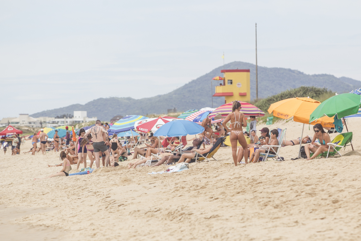 Turistas visitaram as praias de Santa Catarina nesta temporada. Foto: Marco Santiago/ND