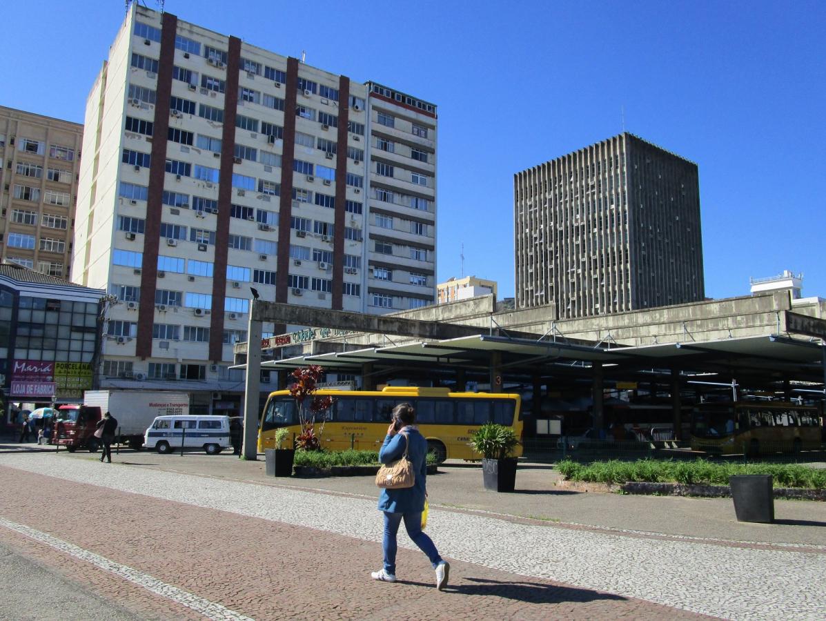 Terminal Cidade de Florianópolis foi inaugurado em 1988 e está praticamente abandonado pelo poder público - | Acervo Carlos Damião