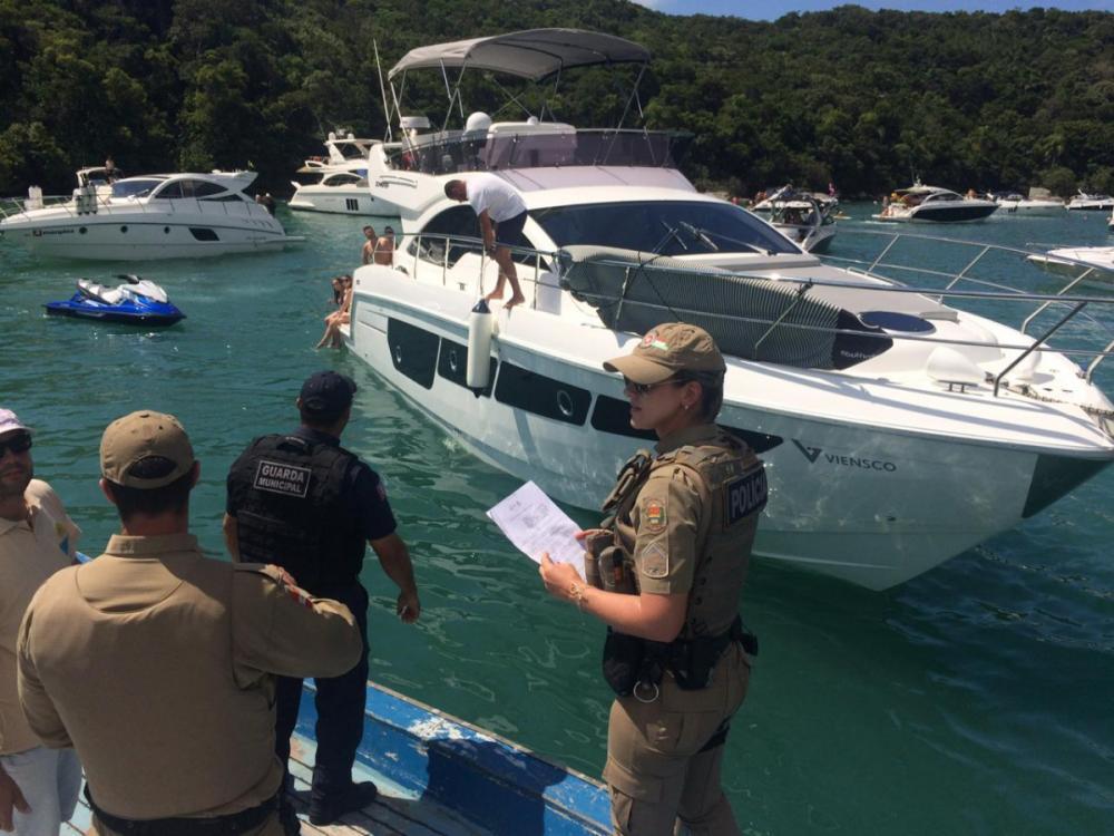 Proprietários de embarcações irregulares foram notificados - Divulgação/PMSC/ND