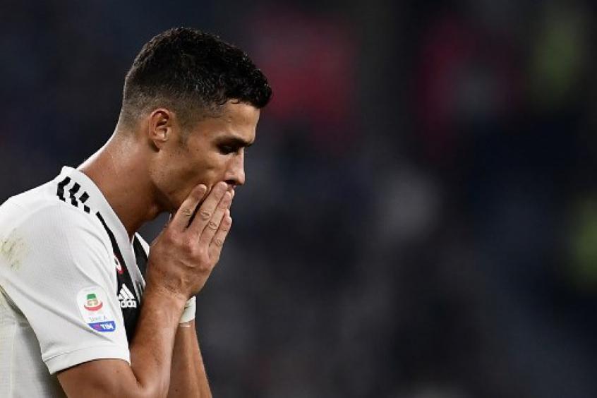 Cristiano Ronaldo vive momento complicado fora dos gramados (Foto: Marco Bertorello / AFP) -