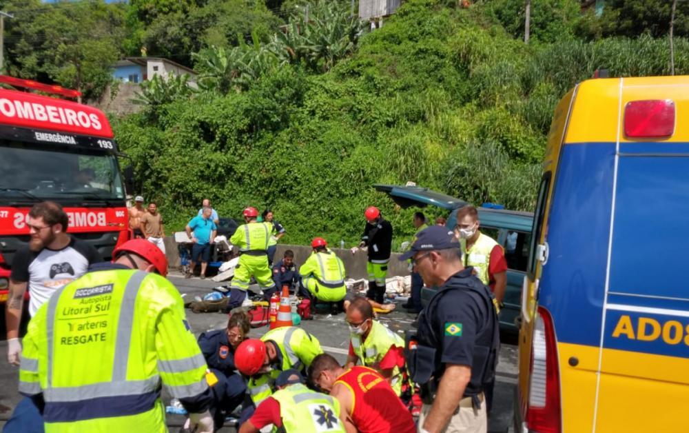 Equipes trabalharam no resgate às vítimas do acidente registrado na manhã de domingo - Foto: Divulgação/Batalhão de Operações Aéreas PMSC