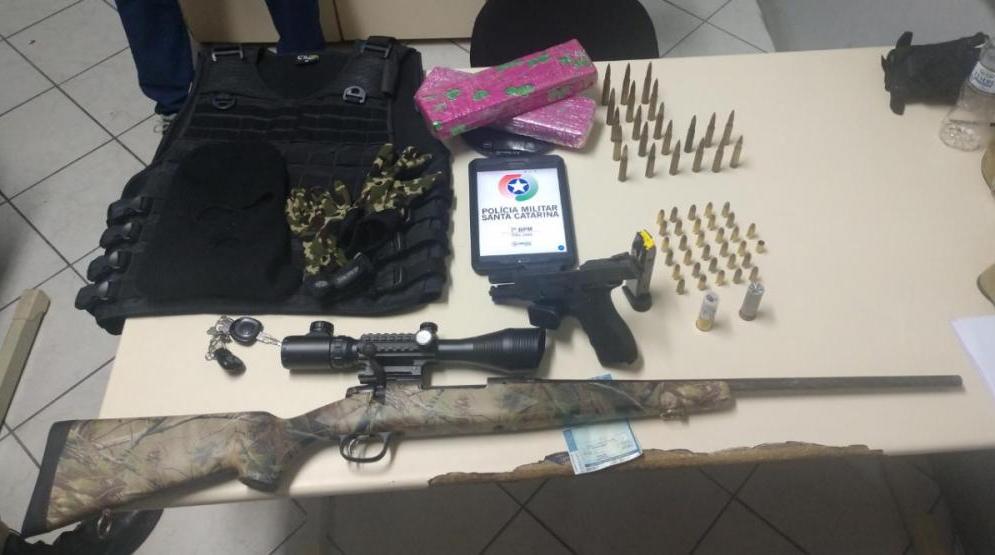 Armamento foi encaminhado à Central Plantão de São José - Divulgação/ND