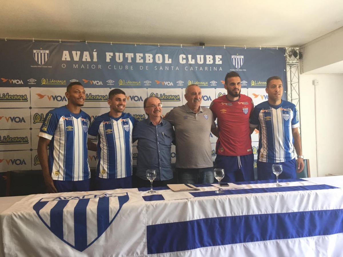 Apresentação atletas Avaí - Diogo Rodrigues/ Divulgação ND