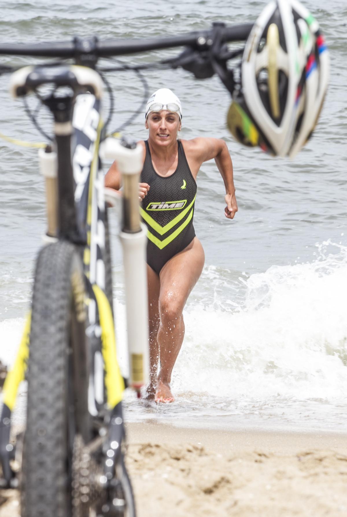 Triatleta e coach de triatlo Mariana Borges de Andrade dá boas indicações para manter o treino em dia - Marco Santiago/ND