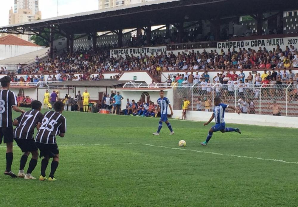 Bola parada do Avaí funcionou três vezes na goleada sobre Inter de Limeira  - Foto: Fabiano Rateke/Divulgação/Avaí FC