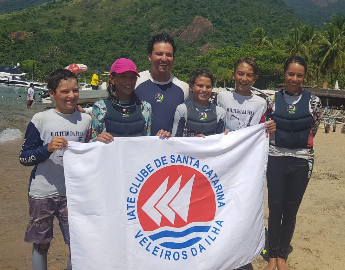 Equipe catarinense de Optmist ficou em terceiro no Brasileiro da categoria - Divulgação ICSC