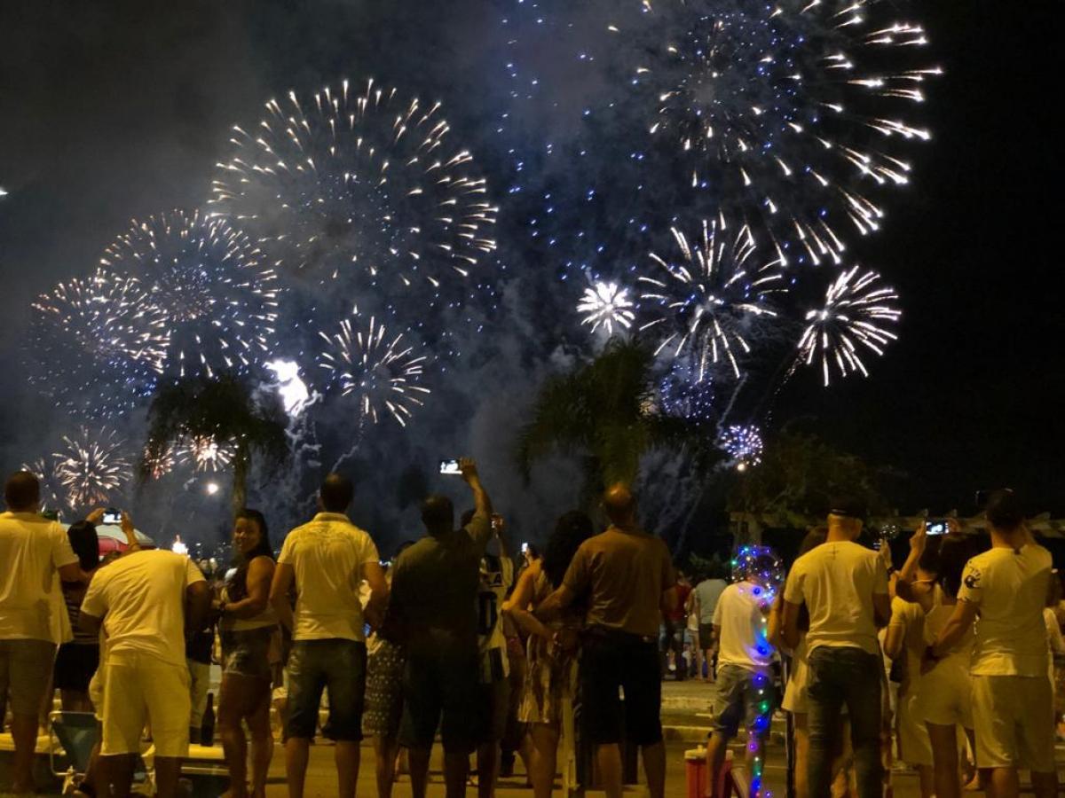 Virada na Beira-Mar foi comemorada diante de um céu limpo e tempo bom - Flávio Tin/ND