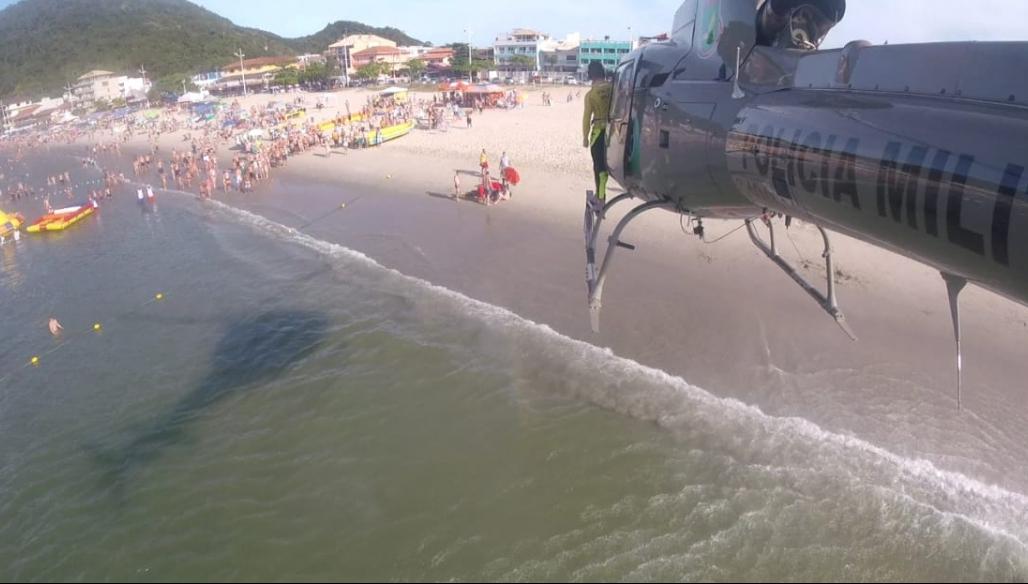 Após ser reanimado, turista foi transportado para hospital em Joinville - Águia 1/ Divulgação/ ND