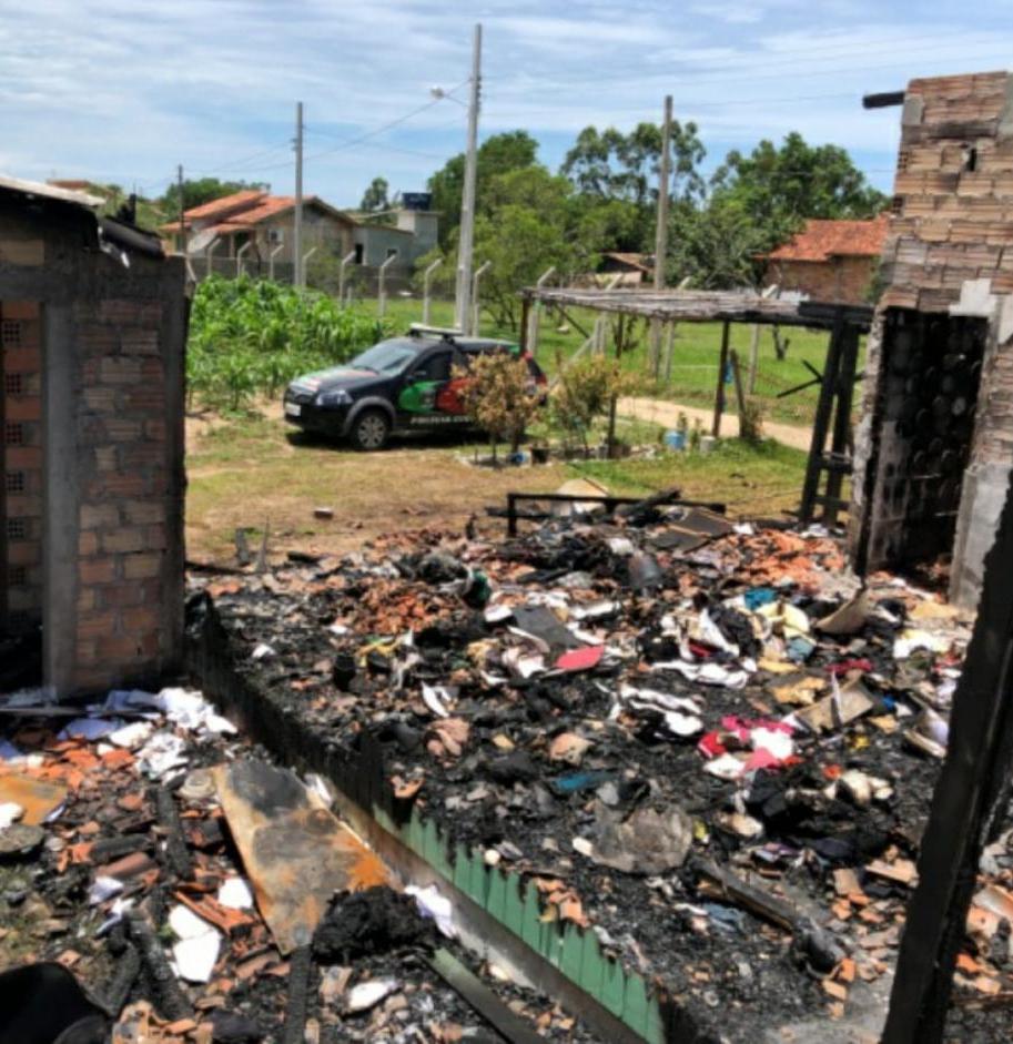 Casa virou num amontoado de carvão - Divulgação/ND