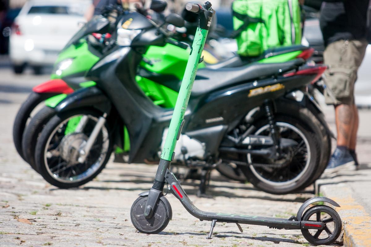 Criação de docas para patinetes pode facilitar a disposição dos equipamentos - Flávio Tin/ND