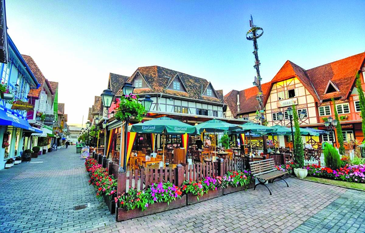 Os casarios de estilo germânico e os passeios bem-cuidados são um convite à visitação, principalmente se incluir um chope ou um café colonial - Daniel Zimmermann/divulgação/prefeitura blumenau/nd