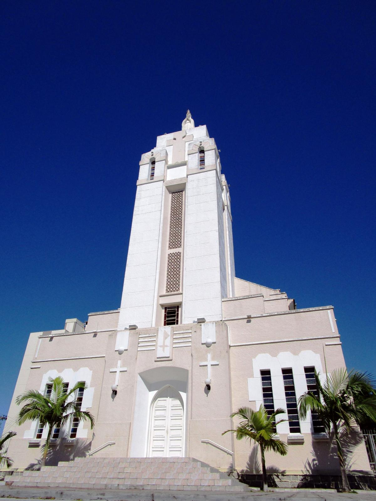 Santuário de Nossa Senhora de Fátima: imponência e referência afetiva do bairro - Carlos Damião
