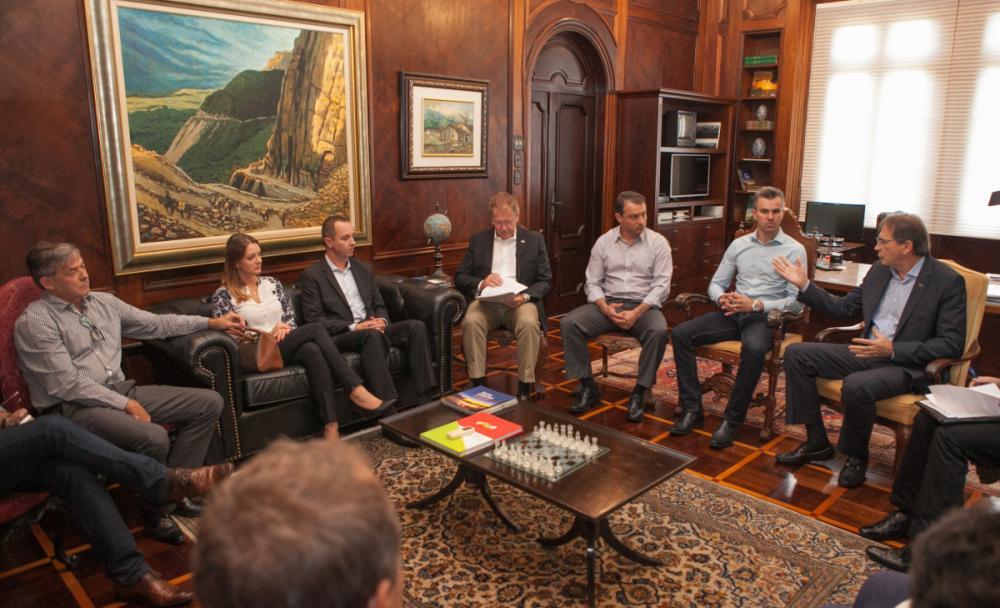 Reunião entre a Fiesc e o governador Carlos Moisés, realizado nesta sexta-feira, na Casa da Agronômica - Filipe Scotti/Divulgação/ND