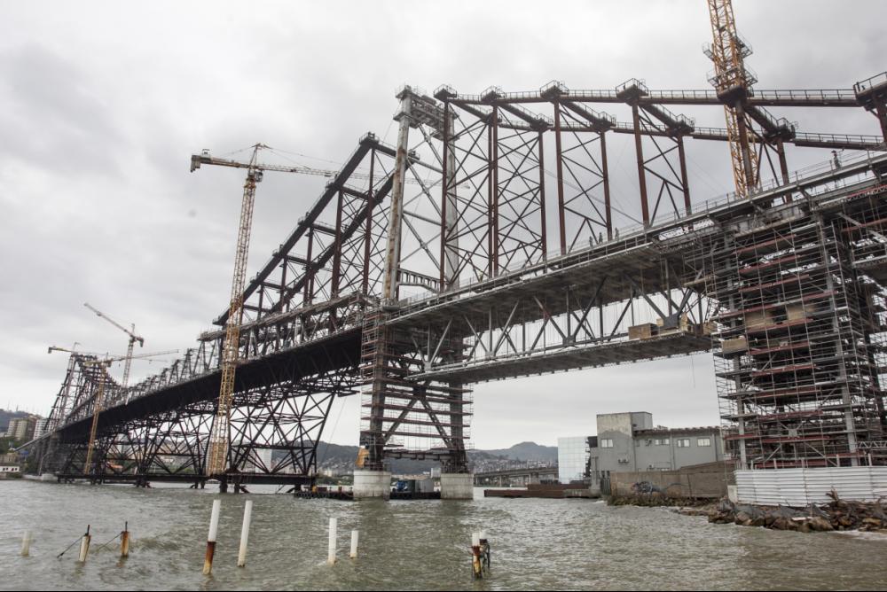 Obra de restauração da ponte Hercílio Luz, que já consumiu R$ 355,7 milhões, não tem previsão para ser concluída - Marco Santiago/ND