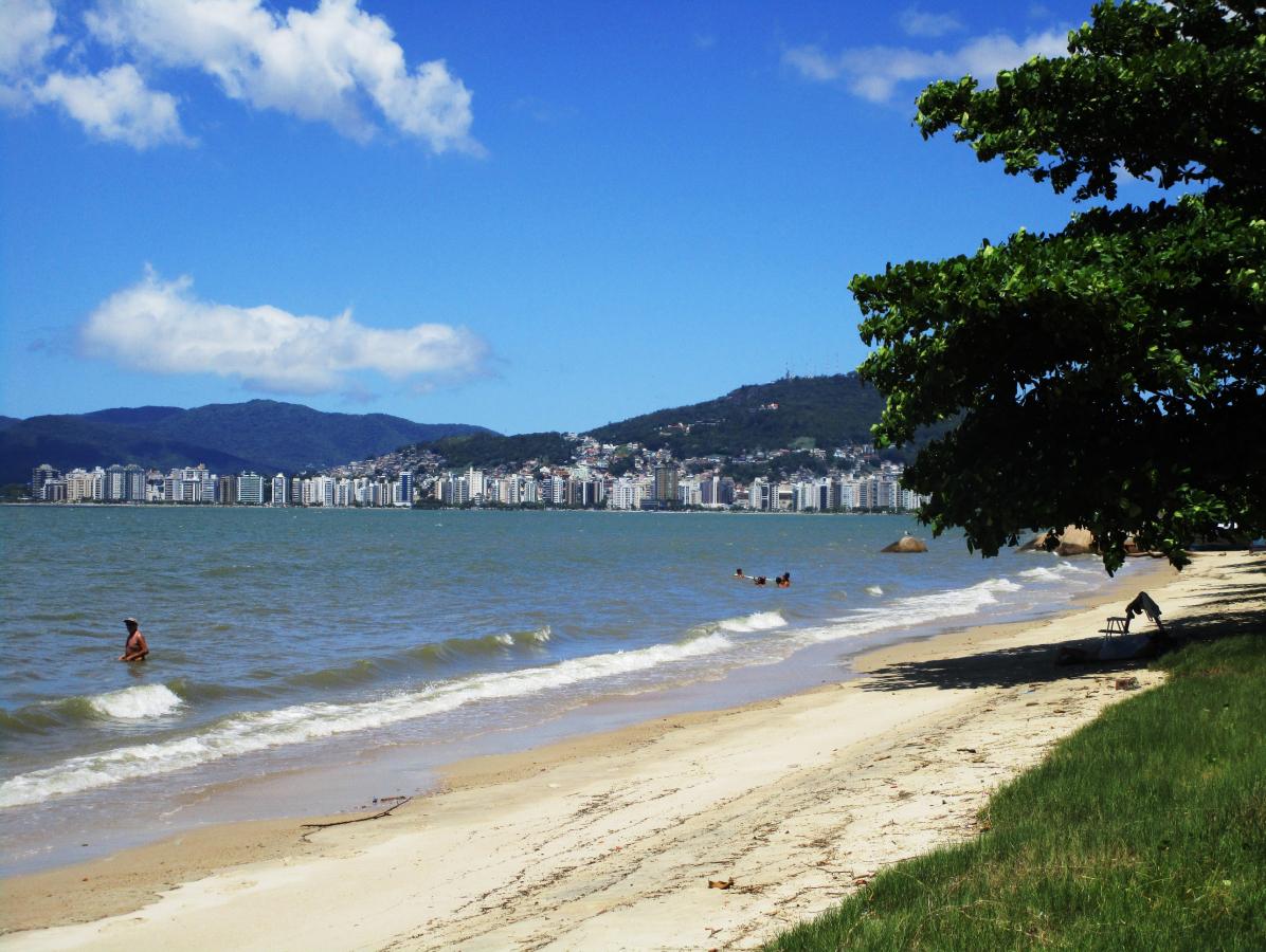 Praia do Balneário foi muito frequentada pela população até início da década de 1970 - Carlos Damião