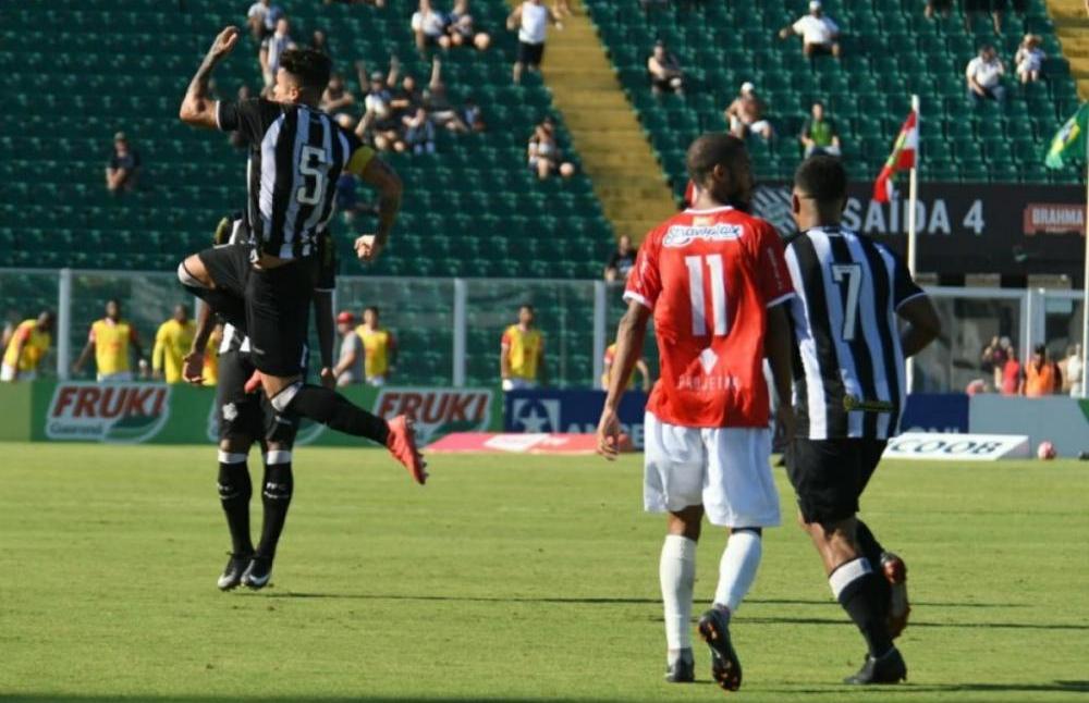 Figueira bate Hercílio Luz por 3 a 1 no Orlando Scarpelli - FFC/Divulgação/ND