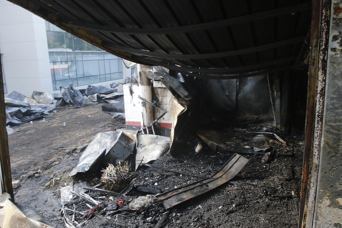 Centro de treinamento do Flamengo ficou totalmente destruído após incêndio - Reginaldo Pimenta/Estadão Conteúdo