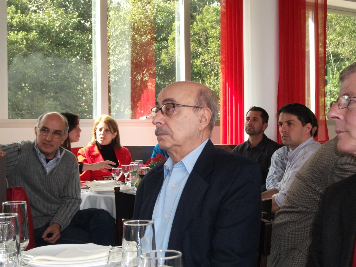 O professor e e-vereador, em solenidade realizada pelo Senge-SC em 21 de julho de 2010 - Carlos Damião
