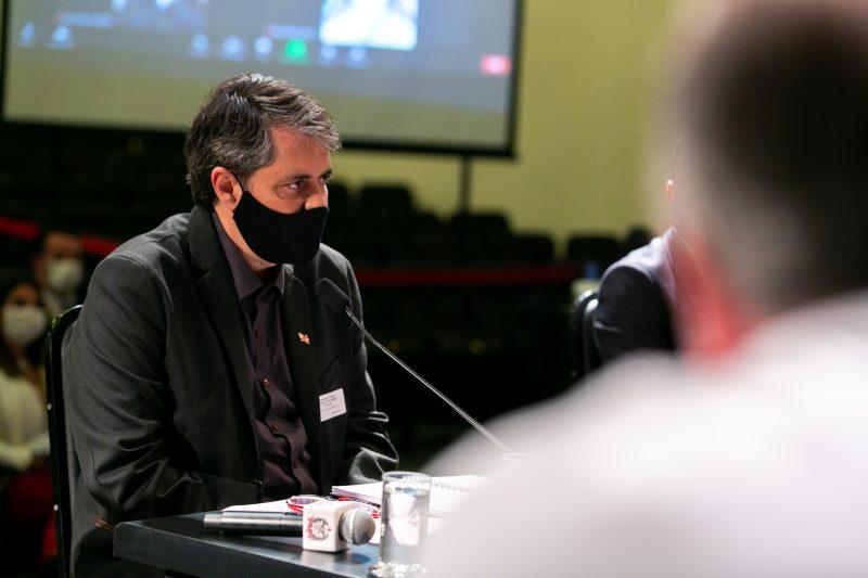 Secretário de Saúde, André Motta Ribeirofaz apelo para enfrentamento da pandemia na Alesc – Foto: Fábio Queiroz / Agência AL/Divulgação/ND