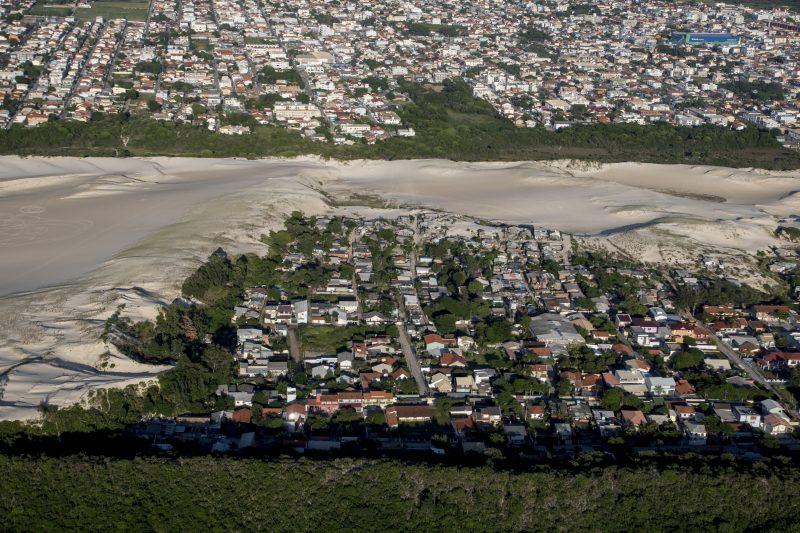 Favela do Siri, nos Ingleses, Norte da Ilha, em Florianópolis – Foto: Daniel Queiroz/ND