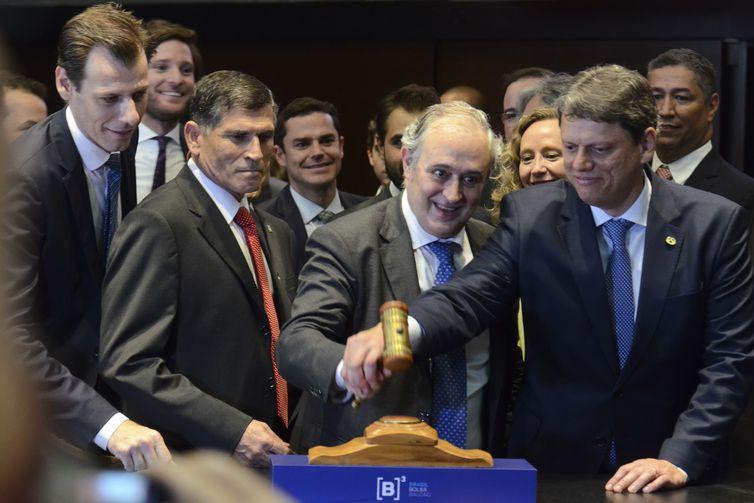 Governo faz o leilão de 12 aeroportos brasileiros na B3 Bovespa, em São Paulo – Rovena Rosa/Agência Brasil/ND