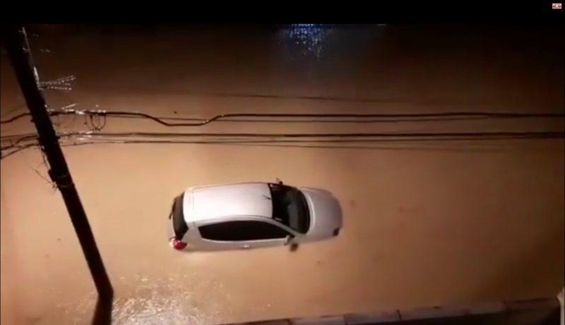 Forte chuva deixou ruas alagadas em Joinville – Reprodução/ND