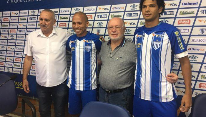 Os novos atletas já treinaram com o restante do elenco - Divulgação/Avaí FC